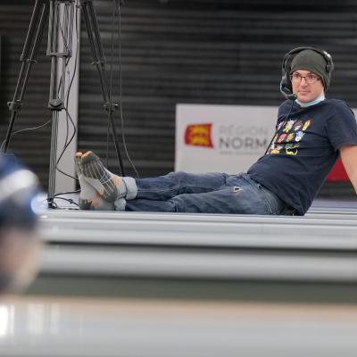 TV Team relaxation between 2 matchs ! (Photo Ruel Alain)