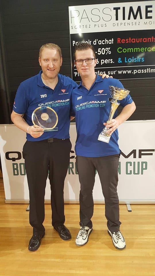 Winners Singles Bram Van Meerbergen with Barry Foley (Left)