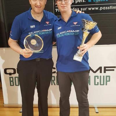 Winners Singles Bram Van Meerbergen with Barry Foley (Left)